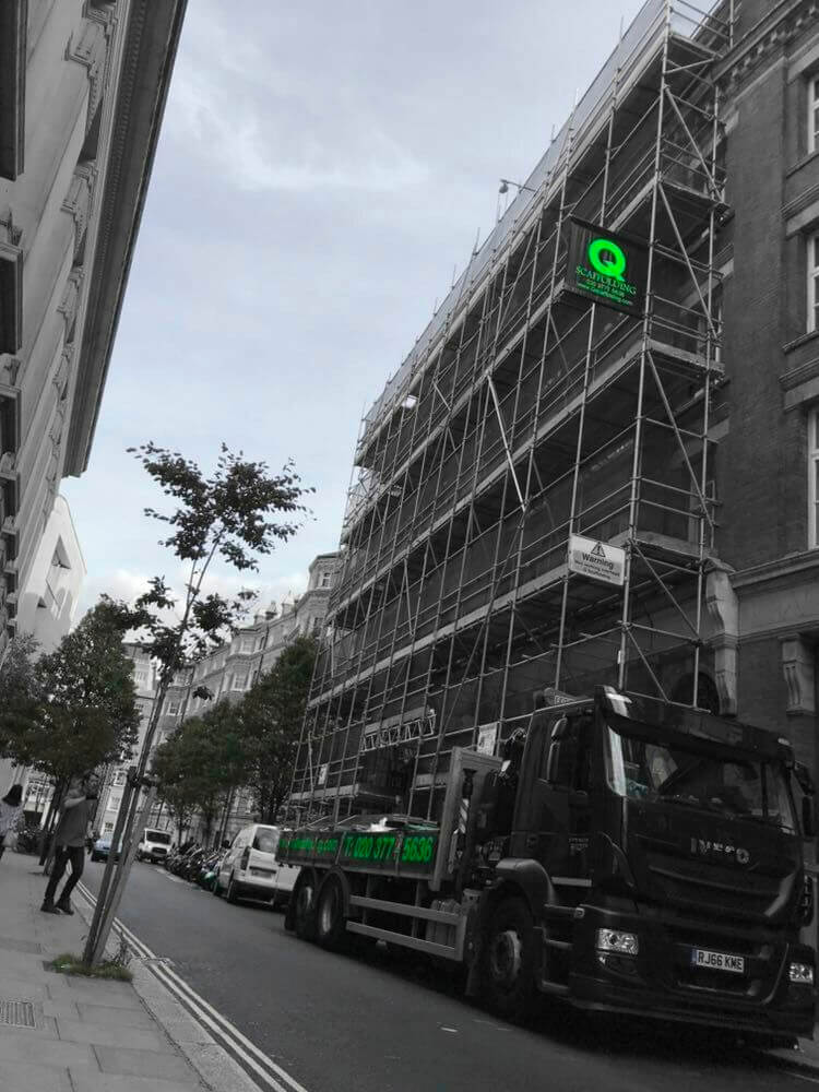 Scaffolding hoarding service in London